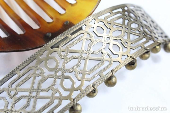 Antigüedades: Preciosa peineta tiara pps del s XIX. Asta y metal con pendentifs de estilo cascabel. - Foto 7 - 213060215