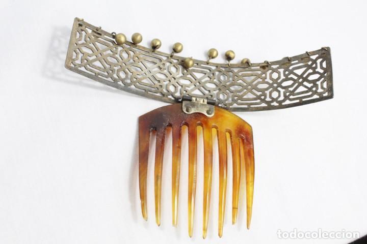 Antigüedades: Preciosa peineta tiara pps del s XIX. Asta y metal con pendentifs de estilo cascabel. - Foto 9 - 213060215