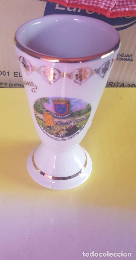 VASO DE PORCELANA FINA DE BERRY SUIZA (Antigüedades - Porcelanas y Cerámicas - Otras)