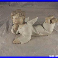 Antigüedades: FIGURA DE PORCELANA DE LLADRO ANGELOTE TUMBADO. Lote 213199726