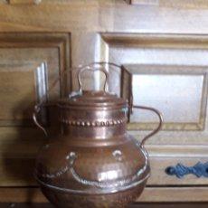 Antigüedades: ANTIGUO POTE DE COBRE, DECORATIVO, MIDE 15 CM DE ALTURA. Lote 213238580