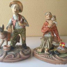Antigüedades: PAREJA CAMPESINOS DE PORCELANA. Lote 213267016