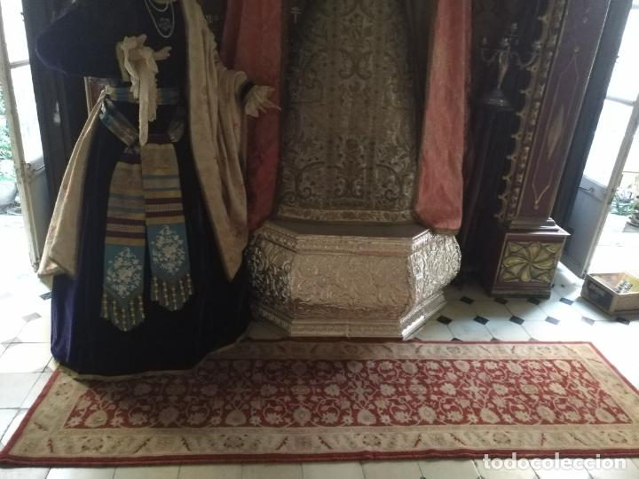 Antigüedades: GRAN ALFOMBRA LARGA PARA VIRGEN BESAMANO CAPILLA CULTOS 245 X 69 CM SEMANA SANTA - Foto 2 - 213267582