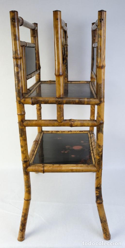 Antigüedades: Mueble revistero japonés en bambú y laca principios siglo XX - Foto 2 - 238250545