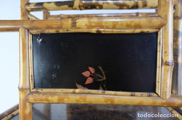 Antigüedades: Mueble revistero japonés en bambú y laca principios siglo XX - Foto 3 - 238250545