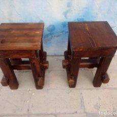 Antiquités: PAREJA DE BANCOS TABURETES RUSTICOS DE MADERA DE PINO MACIZOS.. Lote 213282011