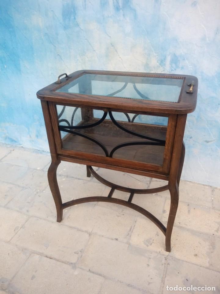 Antigüedades: Antigua mesa expositor de madera de roble,siglo xix.abre las 4 puertas. - Foto 3 - 213283648