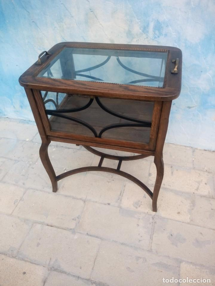 Antigüedades: Antigua mesa expositor de madera de roble,siglo xix.abre las 4 puertas. - Foto 4 - 213283648