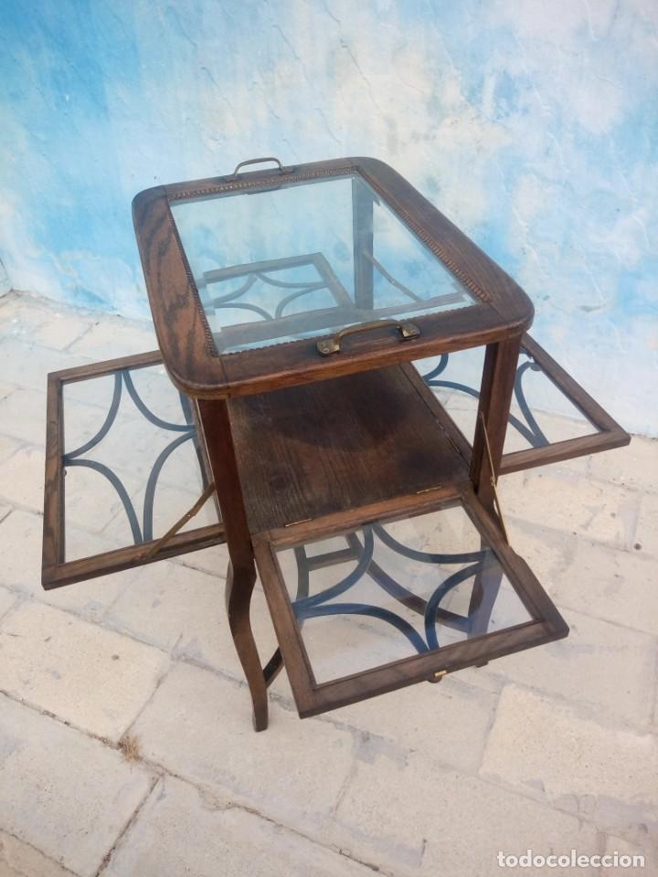 Antigüedades: Antigua mesa expositor de madera de roble,siglo xix.abre las 4 puertas. - Foto 6 - 213283648