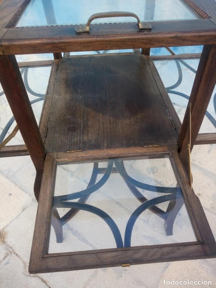 Antigüedades: Antigua mesa expositor de madera de roble,siglo xix.abre las 4 puertas. - Foto 8 - 213283648