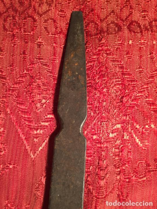 Antigüedades: Antigua herramienta para tejer o similar años 20-30 - Foto 3 - 213289712