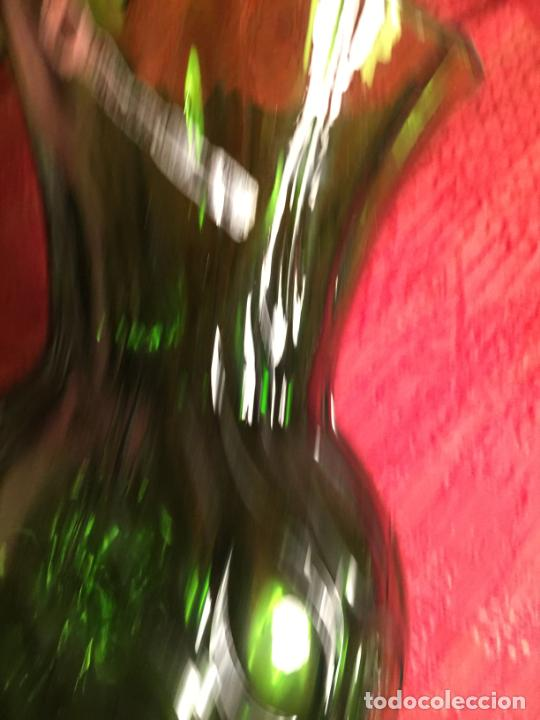 Antigüedades: Antiguo jarrón / florero de soplado a mano de los años 60 - Foto 6 - 213289908
