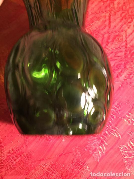 Antigüedades: Antiguo jarrón / florero de soplado a mano de los años 60 - Foto 7 - 213289908