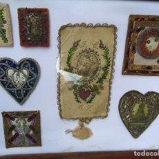 Antigüedades: PRECIOSA COLC. DE 7 RELICARIOS EN HILO DE ORO Y PLATA SON SIETE EN ESTE MARCO DE MADERA ANTIGUO SOLO. Lote 213348128