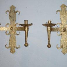 Antigüedades: 2 CANDELABROS DE PARED DE HIERRO FUNDIDO. Lote 213363470