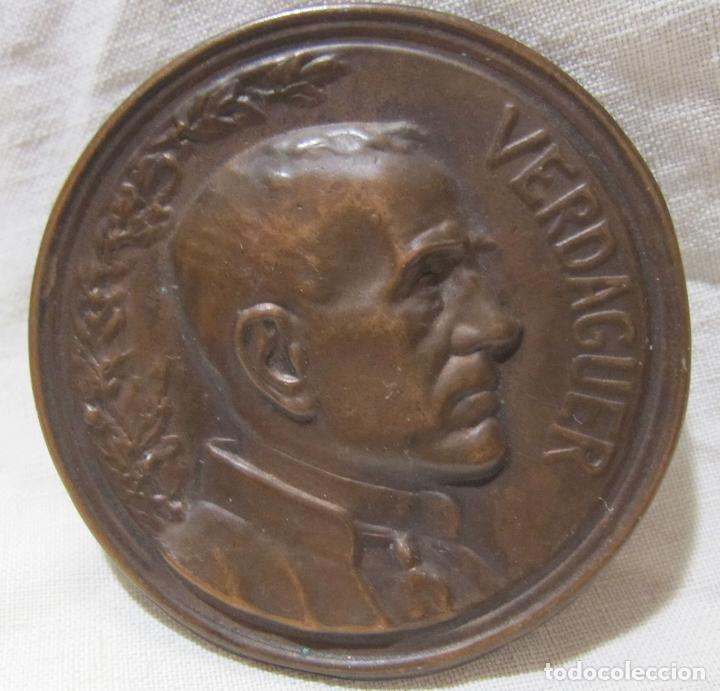 Antigüedades: PLACA MEDALLA JACINT VERDAGUER. 1902. SEGÚN EUSEBI ARNAU. EDITOR VALLMITJANA. DIÁM. 5,1 CM - Foto 3 - 213379606