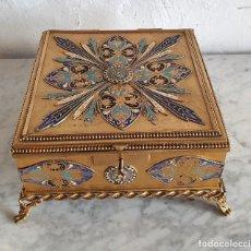 Antigüedades: JOYERO ESMALTADO Y BRONCE. Lote 213419347