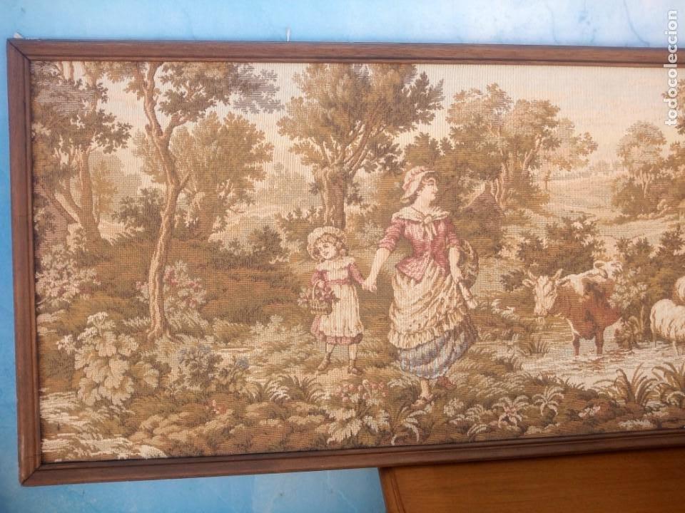 Antigüedades: Precioso tapiz pastores con su ganado - Foto 5 - 213423625