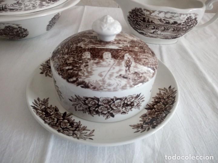 Antigüedades: Lote de 3 piezas de porcelana bridge scene crown ducal,england,legumbrera,mantequillera y salsera. - Foto 3 - 213438255