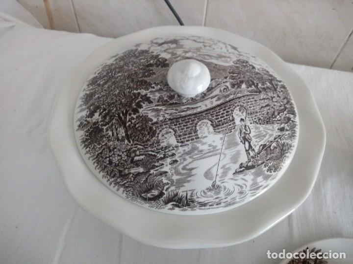 Antigüedades: Lote de 3 piezas de porcelana bridge scene crown ducal,england,legumbrera,mantequillera y salsera. - Foto 4 - 213438255