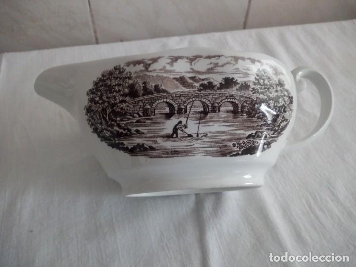 Antigüedades: Lote de 3 piezas de porcelana bridge scene crown ducal,england,legumbrera,mantequillera y salsera. - Foto 5 - 213438255