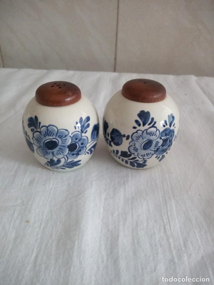 BONITO SALERO Y PIMENTERO DE PORCELANA DELF HOLANDA. (Antigüedades - Porcelana y Cerámica - Holandesa - Delft)