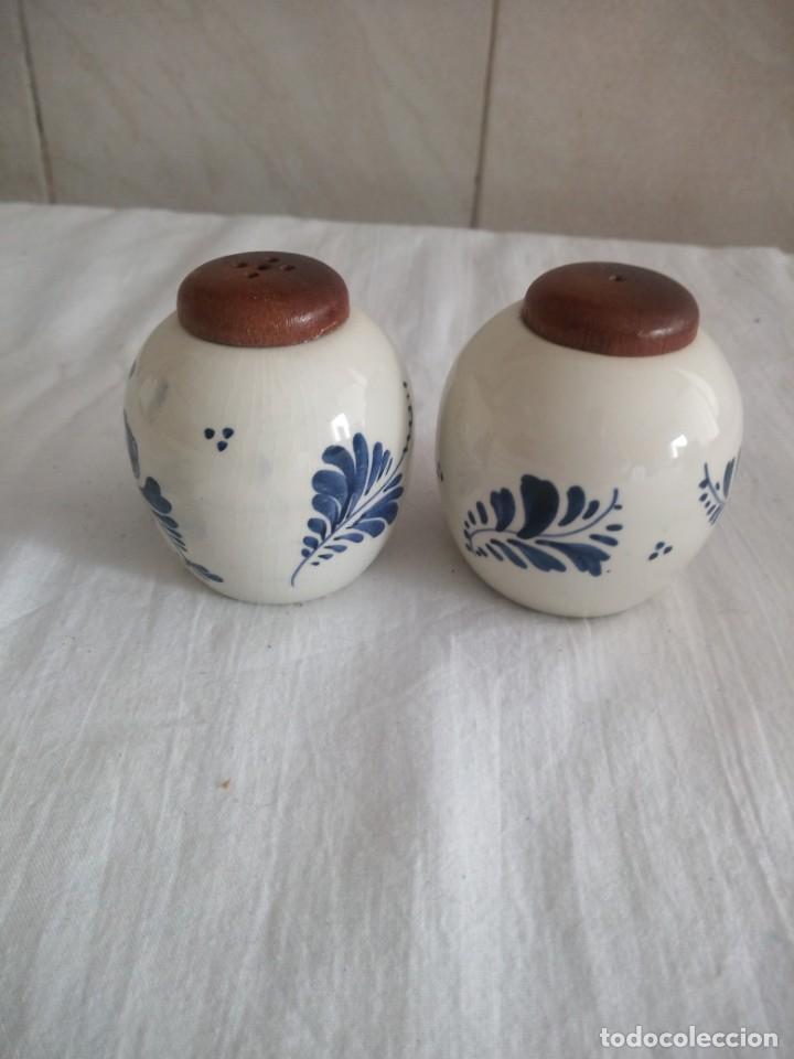 Antigüedades: Bonito salero y pimentero de porcelana delf holanda. - Foto 2 - 213447282