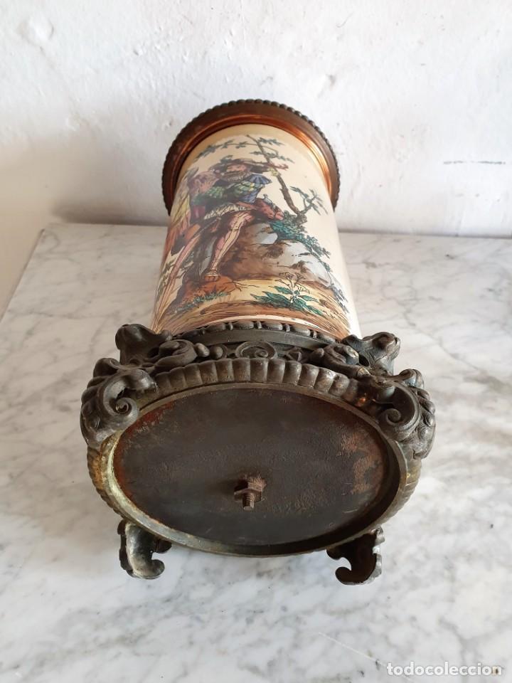 Antigüedades: ANTIGUA PAREJA DE QUINQUES EN PORCELANA BELGA - Foto 9 - 213450056