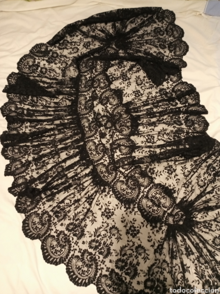 MANTILLA CENTRO DE MESA NEGRA MUY GRANDE (Antigüedades - Moda - Mantillas)