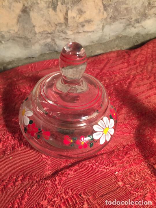 Antigüedades: Antiguo juego de tocador de cristal transparente pintado con flores años 50-60 - Foto 2 - 213585973