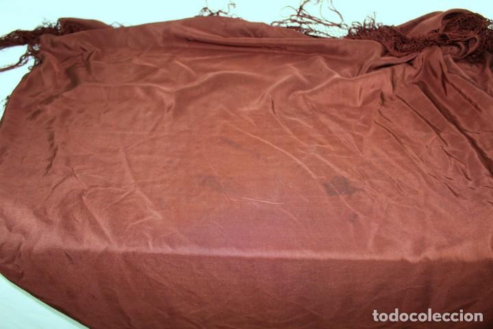 Antigüedades: ref t 9 Mantón isabelino de seda en color chocolate - Foto 6 - 213615891