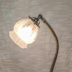Antigüedades: MAGNIFICA LAMPARA DE SOBRE MESA ART DECÓ. Lote 213620028