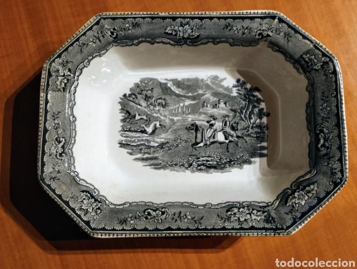 IMPECABLE FUENTE HONDA FÁBRICA LA AMISTAD (Antigüedades - Porcelanas y Cerámicas - Cartagena)