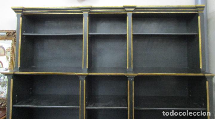 Antigüedades: Bonita Vitrina, Librería - Madera Policromada y Dorada - Puertas Abatibles - Ideal Biblioteca, etc - Foto 10 - 213716833