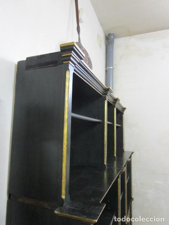 Antigüedades: Bonita Vitrina, Librería - Madera Policromada y Dorada - Puertas Abatibles - Ideal Biblioteca, etc - Foto 13 - 213716833
