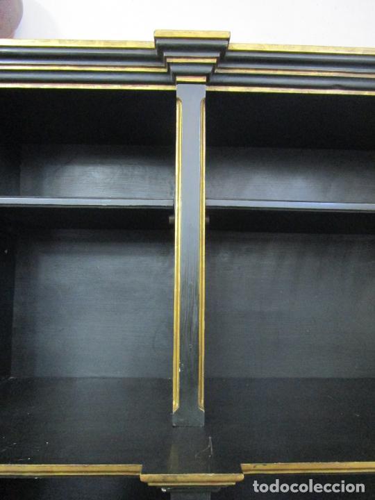 Antigüedades: Bonita Vitrina, Librería - Madera Policromada y Dorada - Puertas Abatibles - Ideal Biblioteca, etc - Foto 14 - 213716833