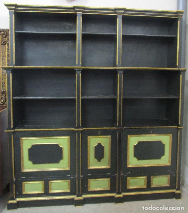 Antigüedades: Bonita Vitrina, Librería - Madera Policromada y Dorada - Puertas Abatibles - Ideal Biblioteca, etc - Foto 17 - 213716833