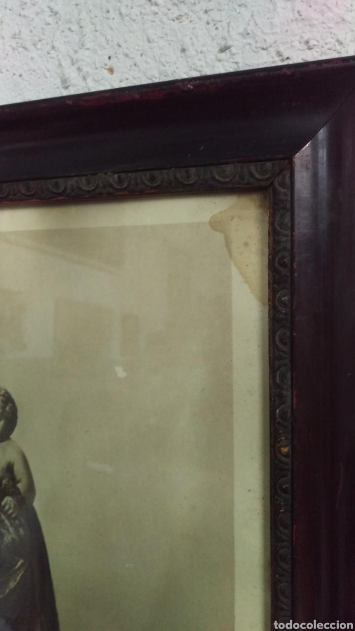 Antigüedades: Antiguo cuadro lamina imagen Virgen del Pilar - Foto 2 - 213722188