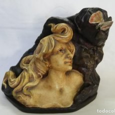 Antigüedades: FIGURA MODERNISTA ESTUCO. Lote 213859071