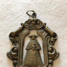 Antigüedades: RELIGIOSA. VIRGEN. ANTIQUÍSIMA MEDALLA DE LA HERMANDAD DEL ROCÍO DE VILLARRASA. HUELVA. Lote 213871241