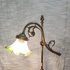 Antigüedades: MAGNIFICA LAMPARA DE SOBREMESA. Lote 213872127
