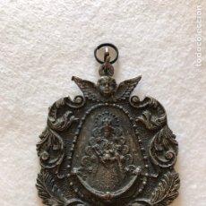 Antigüedades: RELIGIOSA. VIRGEN. ANTIQUÍSIMA MEDALLA DE LA HERMANDAD DEL ROCÍO DE LAS PALMAS DE GRAN CANARIA. Lote 213872413