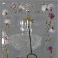 Antigüedades: MAGNIFICO MARCO PORTAFOTO. CRISTAL BISELADO Y PINTADO A MANO. AÑOS 20-30. Lote 213909512