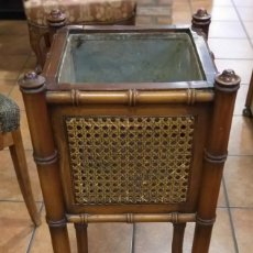Antigüedades: MACETERO JARDINERA DE MADERA. INTERIOR METAL.. Lote 213938580