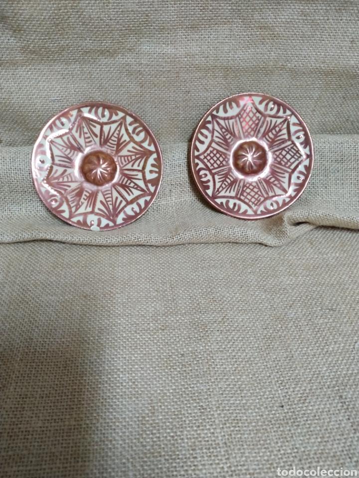 PAREJA DE PLATOS ,REFLEJOS METÁLICOS .MANISES (Antigüedades - Porcelanas y Cerámicas - Manises)
