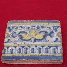 Antigüedades: 2 ) AZULEJO ANTIGUO DE TALAVERA / TOLEDO - RENACIMIENTO - SIGLO XVI.. Lote 214021335