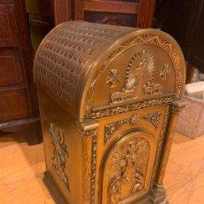 Antigüedades: SAGRARIO EN METAL ANTIGUO GRAN TAMAÑO. Lote 214056677