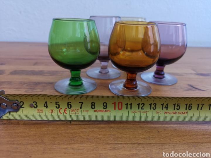 Antigüedades: 5 copas tipo conyac de cristal de colores 1960s 1970s - Foto 2 - 214097366