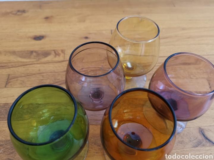 Antigüedades: 5 copas tipo conyac de cristal de colores 1960s 1970s - Foto 3 - 214097366