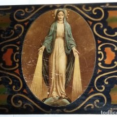 Antigüedades: ANTIGUA CAJA DE MADERA CON BOTONES (AÑOS 50-60 DEL SIGLO XX). Lote 214113216
